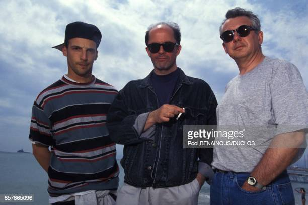 Mathieu Kassovitz le realisateur Jacques Audiard et le scenariste Alain Le Henry lors de la presentation du film de Jacques Audiard Regarde les...