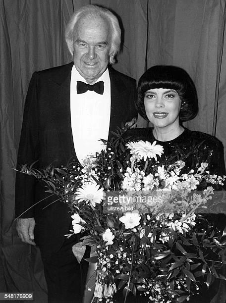 Mathieu Mireille * Saengerin Frankreich mit Manager Johnny Stark 1987