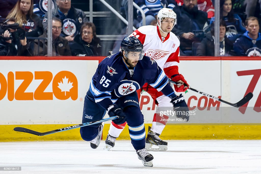 Detroit Red Wings v Winnipeg Jets : Nachrichtenfoto