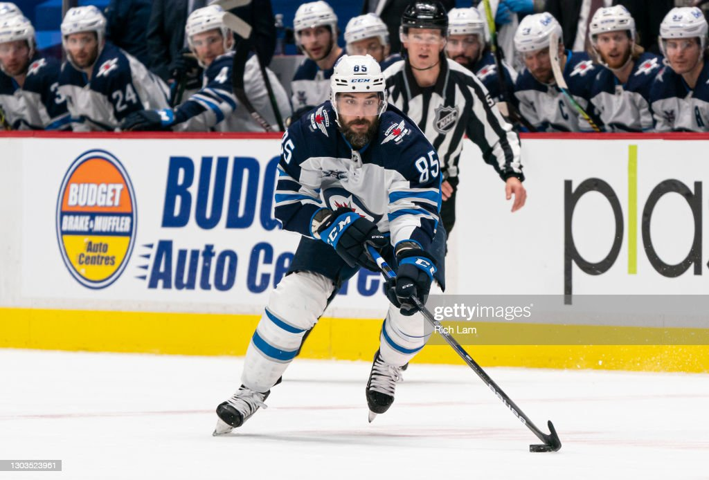 Winnipeg Jets v Vancouver Canucks : News Photo