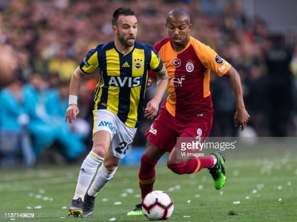 Mathieu Valbuena of Fenerbahce SK Mariano Ferreira Filho of Galatasaray SK during the Turkish Spor Toto Super Lig football match between Fenerbahce...