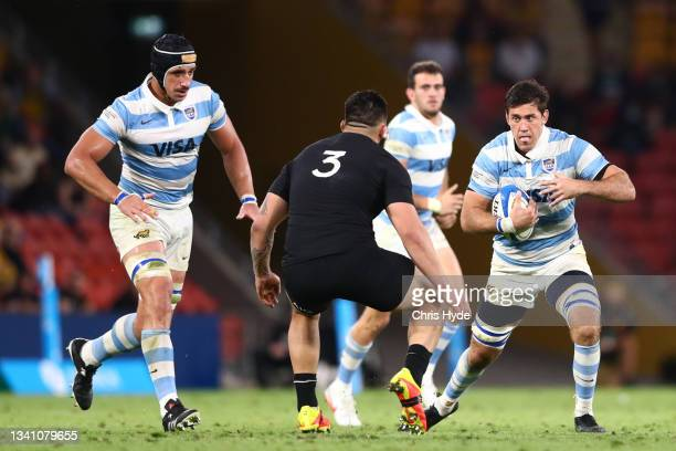Matias Alemanno of Argentina charges forward during The Rugby Championship match between the Argentina Pumas and the New Zealand All Blacks at...