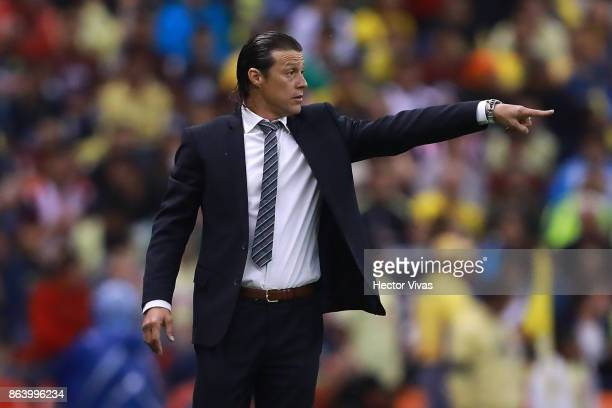 Matias Almeyda Coach of Chivas gives instructions to his players during the 10th round match between America and Chivas as part of the Torneo...