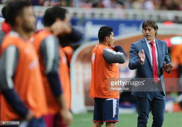 Matias Almeyda coach of Chivas gives instructions to his players during the 6th round match between Chivas and Santos Laguna as part of the Torneo...