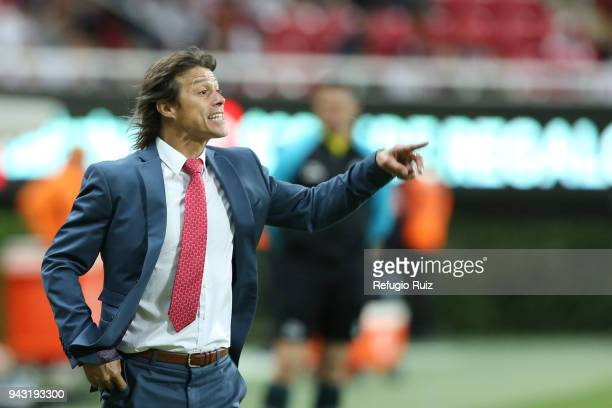 Matias Almeyda coach of Chivas gives instructions to his players during the 14th round match between Chivas and Veracruz as part of the Torneo...