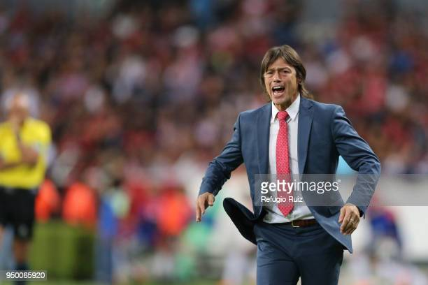 Matias Almeyda coach of Chivas gives instructions to his players during the 16th round match between Atlas and Chivas as part of the Torneo Clausura...
