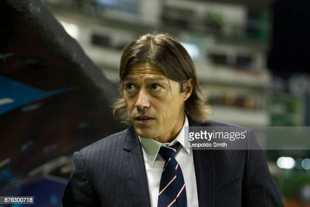 Matias Almeyda coach of Chivas looks on during the 17th round match between Leon and Chivas as part of the Torneo Apertura 2017 Liga MX at Leon...