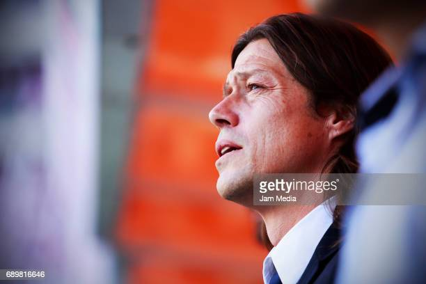 Matias Almeyda coach of Chivas looks on during the Final second leg match between Chivas and Tigres UANL as part of the Torneo Clausura 2017 Liga MX...