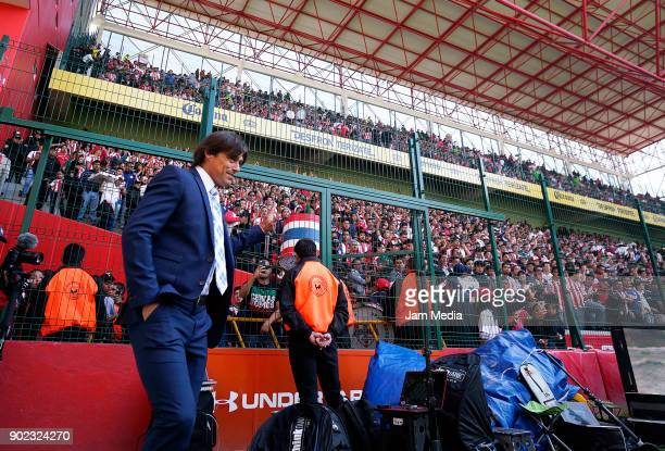 Matias Almeyda coach of Toluca waves the fans prior the first round match between Toluca and Chivas as part of the Torneo Clausura 2018 Liga MX at...