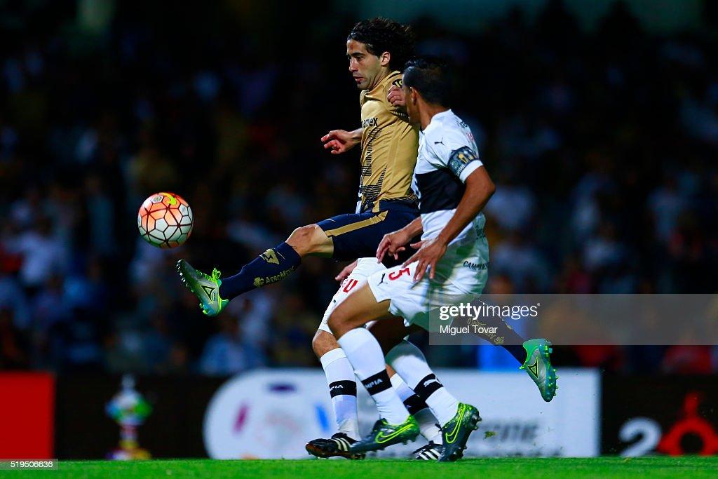 Pumas UNAM v Olimpia - Copa Bridgestone Libertadores 2016 : News Photo