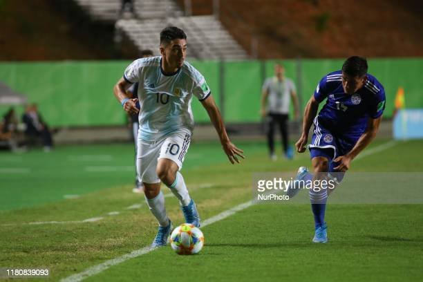 Matias Palacios of Argentina controls the ball during the FIFA U17 World Cup Brazil 2019 round of 16 match between Paraguay and Argentina at Estadio...