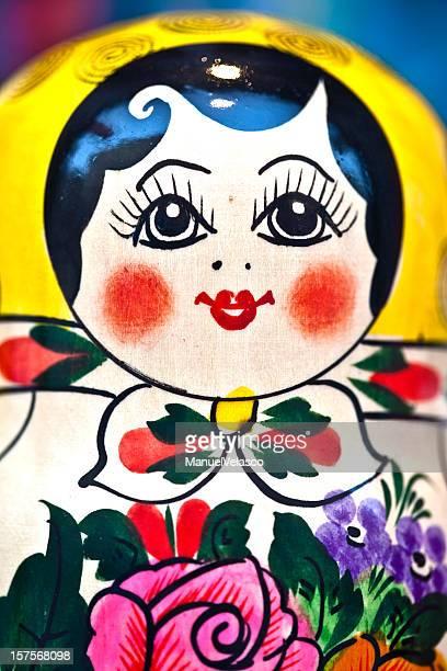 xxxl matryoshka 人形 - ピンクの頬 ストックフォトと画像