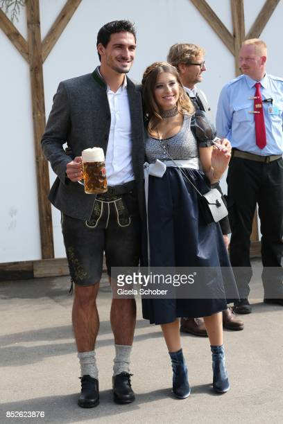 Mats Hummels and his wife Cathy Hummels during the FC Bayern Wies'n as part of the Oktoberfest at Theresienwiese on September 23 2017 in Munich...
