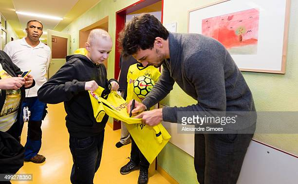 Mats Hummels is seen during the annual visit of Borussia Dortmund at the children's hospital on November 30 2015 in Dortmund Germany