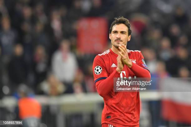 Mats Hummels of Bayern Muenchen celebrates with the fans after the Group E match of the UEFA Champions League between FC Bayern Muenchen and AEK...