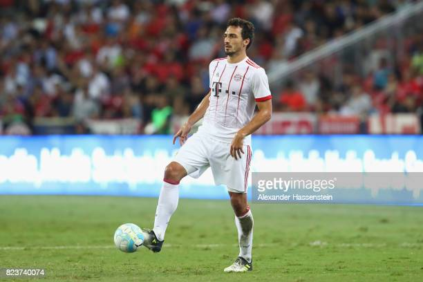 Mats Hummels of Bayern Muenchen runs with the ball during the International Champions Cup 2017 match between Bayern Muenchen and Inter Milan at...