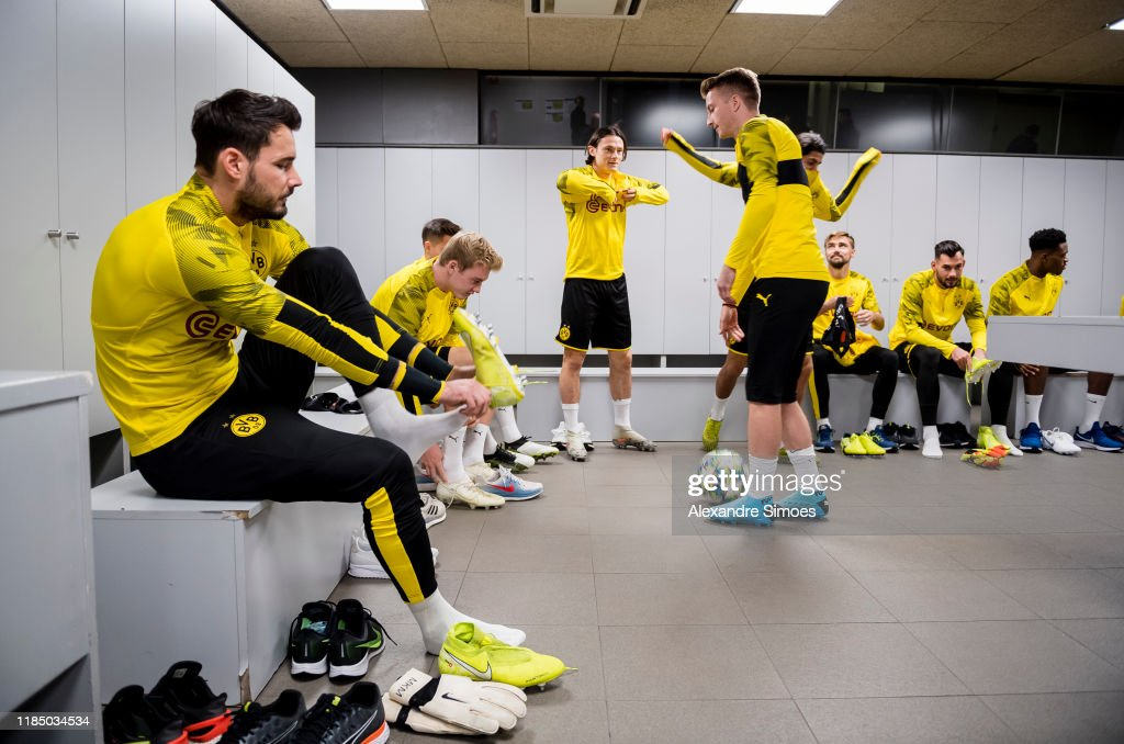 Borussia Dortmund Training And Press Conference : News Photo