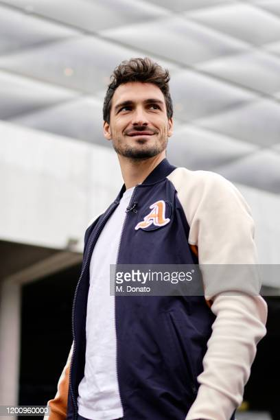 Mats Hummels of Borussia Dortmund smiles ahead of the tenth ThoMats challenge at Allianz Arena on November 12, 2019 in Munich, Germany. The ThoMats...