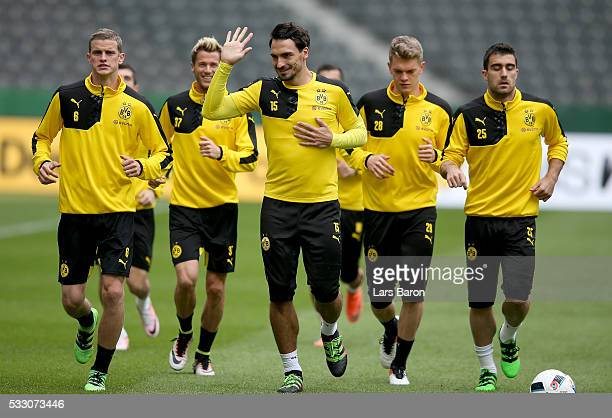 Mats Hummels of Borussia Dortmund warms up during the Borussia Dortmund training session at Olympiastadion on May 20 2016 in Berlin Germany