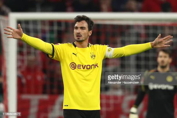 Mats Hummels of Dortmund reacts during the Bundesliga match between FC Bayern Muenchen and Borussia Dortmund at Allianz Arena on November 09, 2019 in...