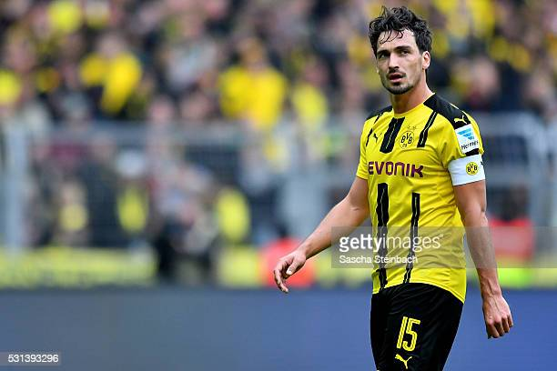 Mats Hummels of Dortmund reacts while leaving the pitch after the Bundesliga match between Borussia Dortmund and 1. FC Koeln at Signal Iduna Park on...