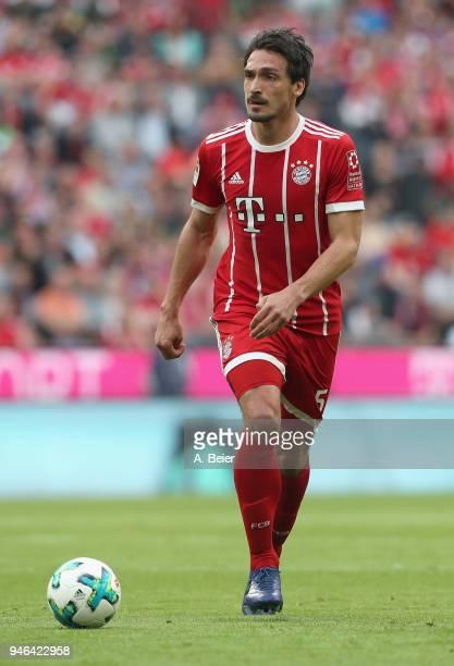 Mats Hummels of FC Bayern Muenchen kicks the ball during the Bundesliga match between FC Bayern Muenchen and Borussia Moenchengladbach at Allianz...