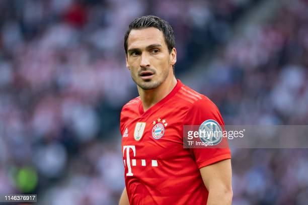Mats Hummels of FC Bayern Muenchen looks on during the DFB Cup final between RB Leipzig and Bayern Muenchen at Olympiastadion on May 25, 2019 in...