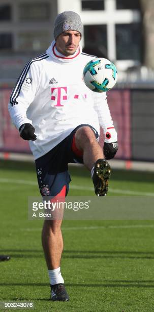 Mats Hummels of FC Bayern Muenchen warms up during a training session at the club's Saebener Strasse training ground on January 10 2018 in Munich...