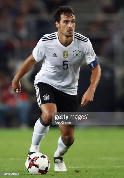 Mats Hummels of Germany controls the ball during the FIFA World Cup Russia 2018 Group C Qualifier between Germany and Norway at MercedesBenz Arena on...