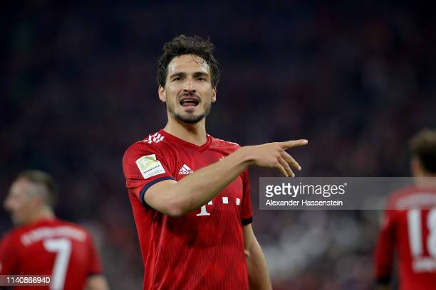 Mats Hummels of Muenchen reacts after the Bundesliga match between FC Bayern Muenchen and Borussia Dortmund at Allianz Arena on April 06 2019 in...