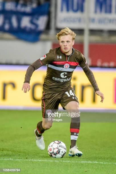 Mats Moeller Daehil of St Pauli controls the ball during the Second Bundesliga match between MSV Duisburg and FC St Pauli at SchauinslandReisenArena...