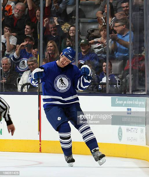 Mats Sundin celebrates his goal in the Hockey Hall of Fame Legends Game at the Air Canada Centre on November 11 2012 in Toronto Canada Sundin will be...