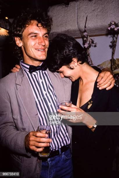 Mats Wilander et son épouse Sonia lors d'une soirée le 5 juin 1988 à Paris France