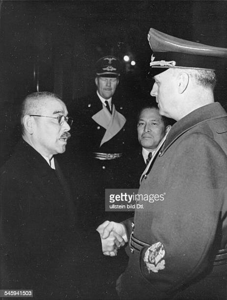 Matsuoka in Berlin: Joachim von Ribbentrop shaking hands with Yosuke Matsuoka, Foreign Minister of Japan, after the arrival at Anhalter Bahnhof train...