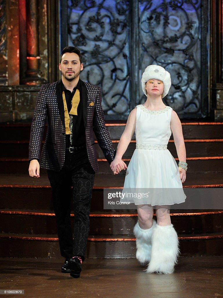 Lulu et Gigi - Art Hearts Fashion NYFW Fall/Winter 2016 : News Photo