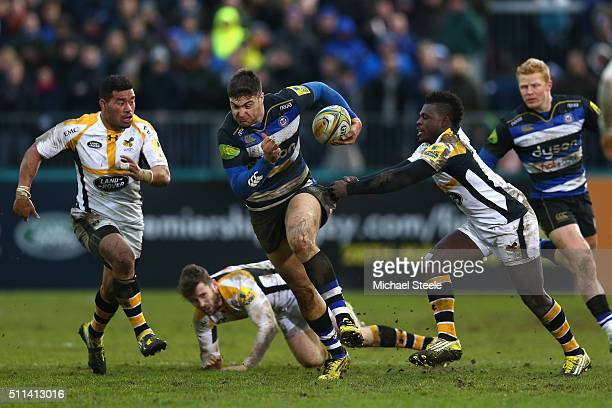 Matt Banahan of Bath breaks away from Christian Wade of Wasps during the Aviva Premiership match between Bath and Wasps at the Recreation Ground on...