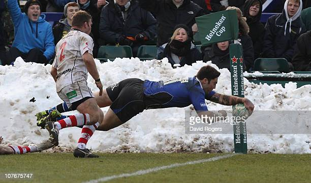 Matt Banahan of Bath dives to score a try during the Heineken Cup pool 4 match between Bath and Ulster at the Recreation Ground on December 18 2010...