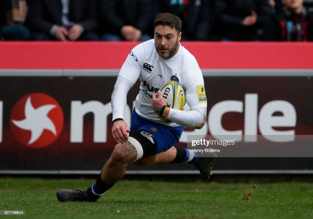 Matt Banahan of Bath Rugby scores their first try during the Aviva Premiership match between Harlequins and Bath Rugby at Twickenham Stoop on March 4, 2018 in London, England.