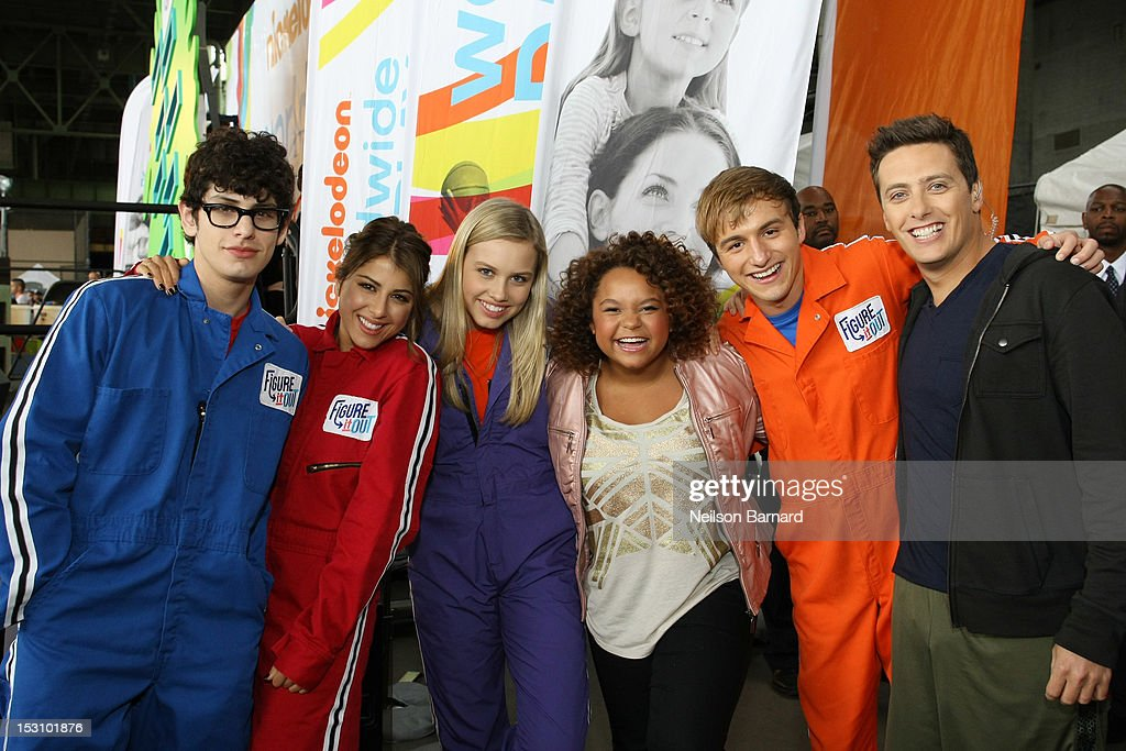 Matt Bennett, Daniella Monet, Gracie Dzienny, Rachel Crow, Lucas Cruikshank and Jeff Sutphen attend Nickelodeon World Wide Day of Play Celebration during NYC Big Brothers Big Sisters RBC Race for the Kids Event in Riverside Park on September 29, 2012 in New York City.