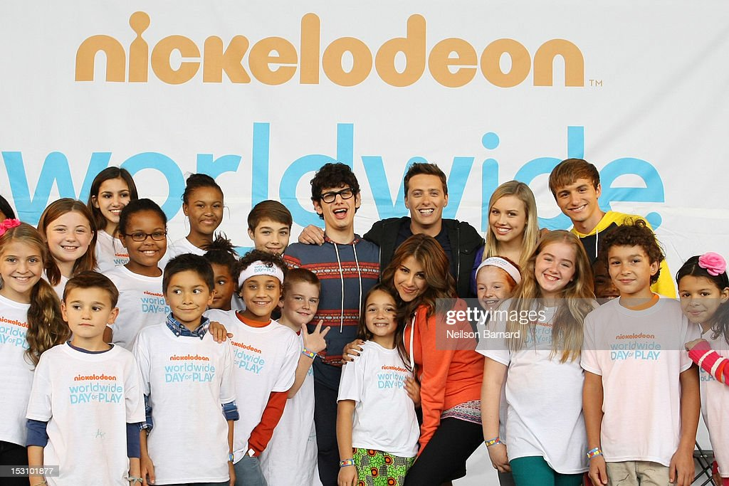 Matt Bennett, Jeff Sutphen, Daniella Monet, Gracie Dzienny and Lucas Cruikshank host the Nickelodeon World Wide Day of Play Celebration during NYC Big Brothers Big Sisters RBC Race for the Kids Event in Riverside Park on September 29, 2012 in New York City.