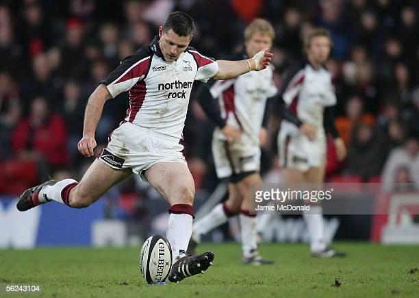 Matt Burke of Newcastle kicks a penalty during the Guinness Premirship match between Saracens and Newcastle Falcons at Vicarage Road on November 20,...