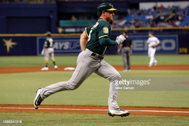 361d151f Matt Chapman of the Oakland Athletics scores in the fourth inning of a  baseball game against