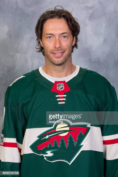 Matt Cullen of the Minnesota Wild poses for his official headshot for the 20172018 season on September 14 2017 at the Xcel Energy Center in St Paul...