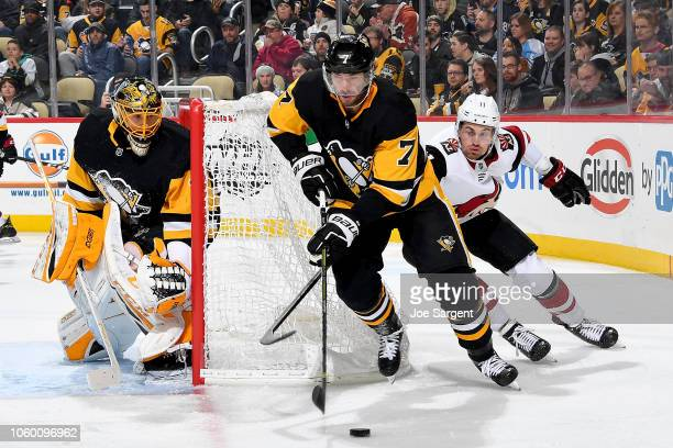 Matt Cullen of the Pittsburgh Penguins handles the puck against the Arizona Coyotes at PPG Paints Arena on November 10 2018 in Pittsburgh Pennsylvania