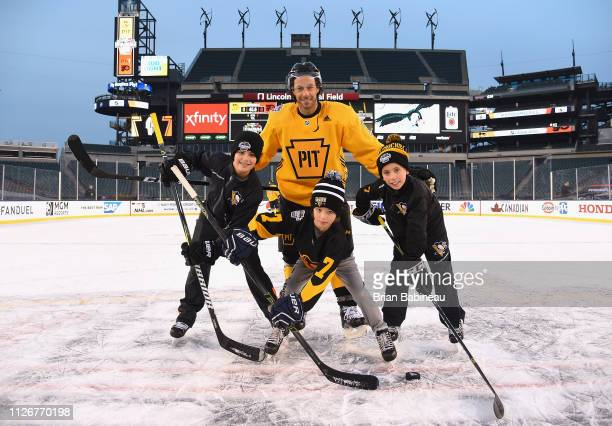 8e912549254 Matt Cullen of the Pittsburgh Penguins participates in the family skate  ahead of the 2019 Coors