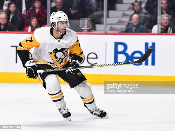 Matt Cullen of the Pittsburgh Penguins skates against the Montreal Canadiens during the NHL game at the Bell Centre on October 13 2018 in Montreal...