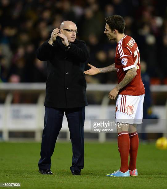 Matt Derbyshire of Nottingham Forest shakes hands with Brian McDermott manager of Leeds United after the final whistle during the Sky Bet...