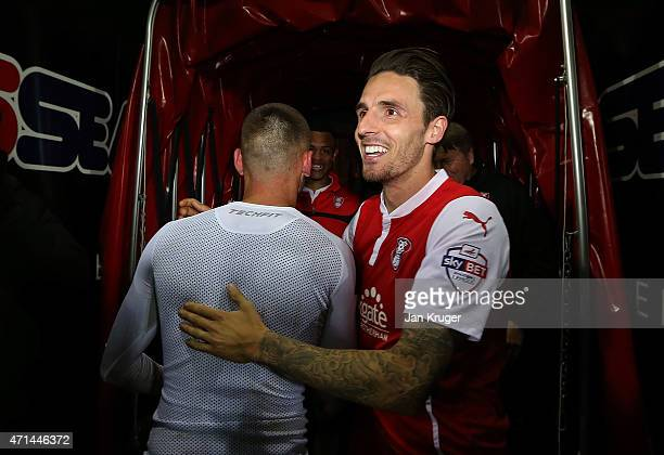 Matt Derbyshire of Rotherham celebrates at the final whistle during the Sky Bet Championship match between Rotherham United and Reading at The New...