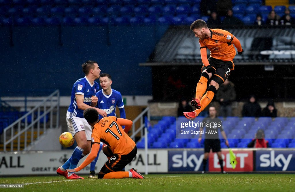Matt Doherty of Wolverhampton Wanderers scores a goal to make it 0-1 during the Sky Bet Championship match between Ipswich Town and Wolverhampton at Portman Road on January 27, 2018 in Ipswich, England.
