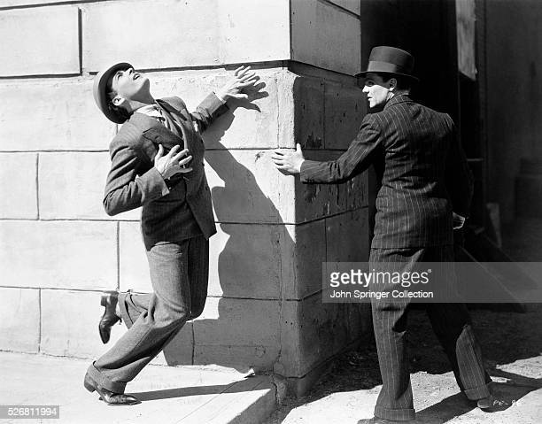 Matt Doyle is shot while escaping with Tom Powers in the 1931 film The Public Enemy